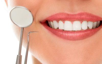 Razlika između zubnih ljuskica i laminata